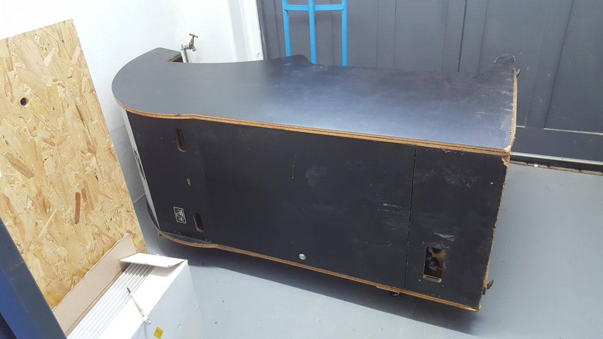 ready for restoration to begin on the right side panel