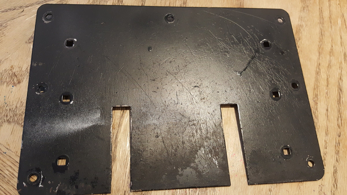 front of pedal front plate lid
